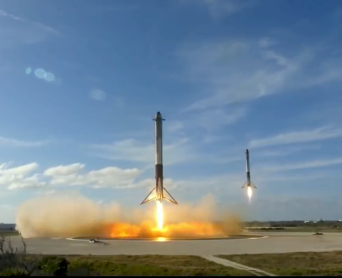 4-FALCON-HEAVY_BOOSTERS_TOUCHDOWN_2-6-18